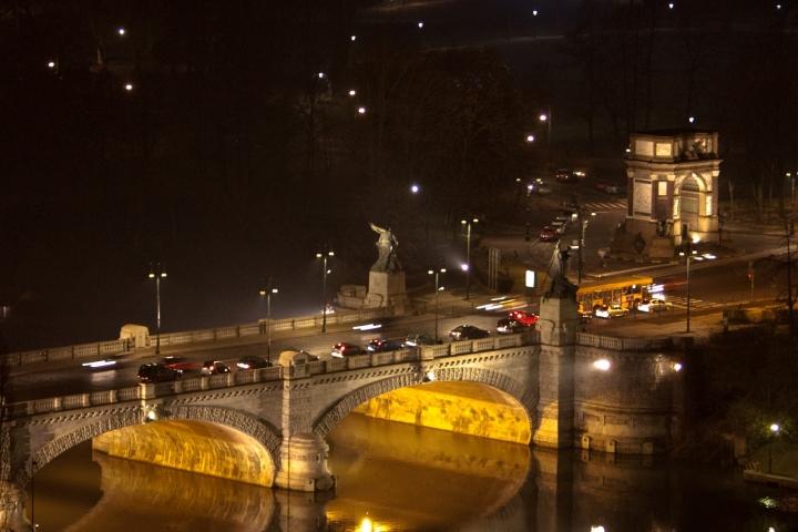 Un ponte tra la luce le tenebre di smenega