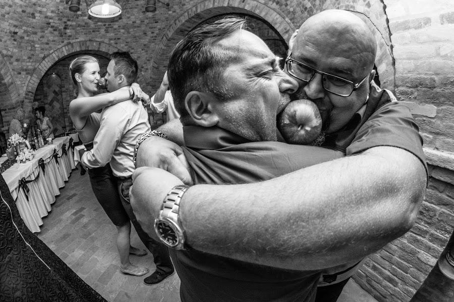 Wedding photographer Gábor Badics (badics). Photo of 29.09.2016