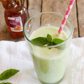 Spinach and Basil Smoothie
