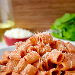 Quick and Easy Vodka Pasta Sauce.