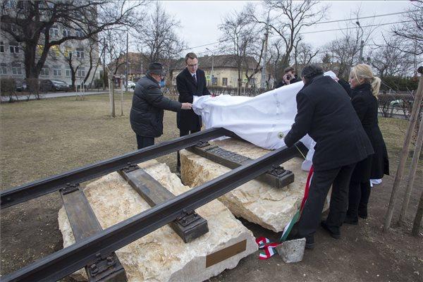 Emlékművet avattak Kispesten