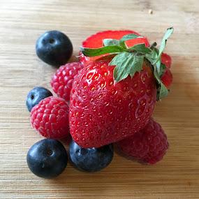 Healthy Berries by Annalie Coetzer - Food & Drink Fruits & Vegetables ( diet, blackberries, health, strawberry, berries )