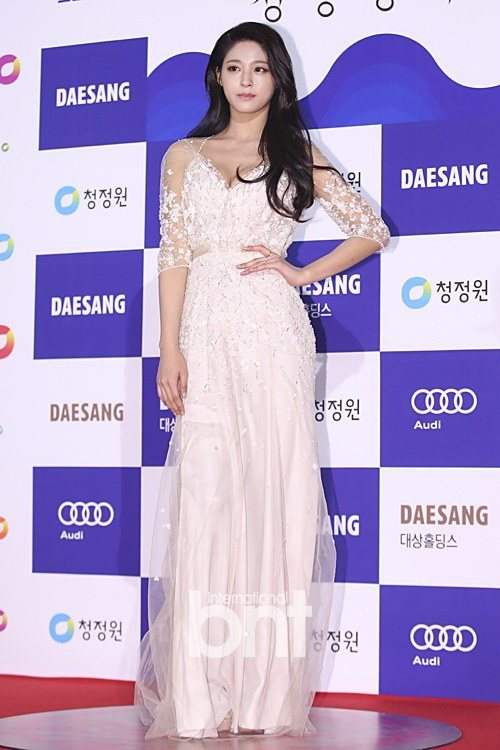 seol gown 2