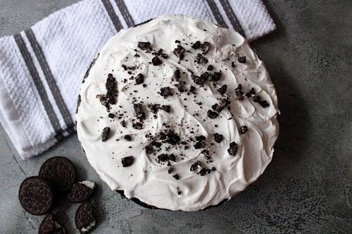 No-Bake Chocolate Oreo Pudding Pie