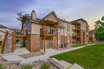 Go to Regency Woods Apartments website