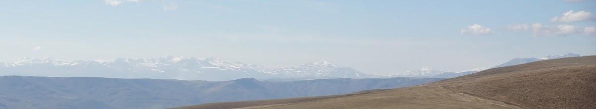 Photo: Pasmo Abul-Samsarskie i przysłonięta część Grzbietu Trialeckiego ze szczytem Ardzhevani.