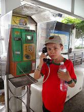 Photo: Titouan téléphone - Bangkok