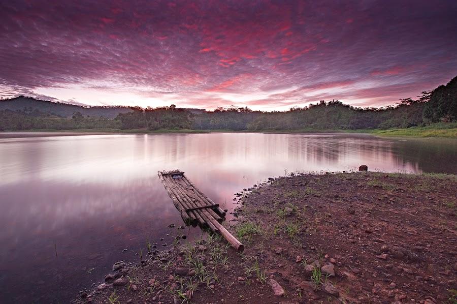 Sta. Ana lake by Rodrigo Layug - Landscapes Waterscapes ( nature, waterscape, sunrise, landscape )