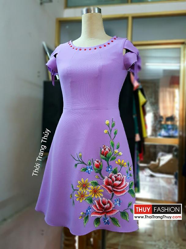Váy vẽ tay màu acrylic họa tiết hoa kim tuyến V363 thời trang thủy