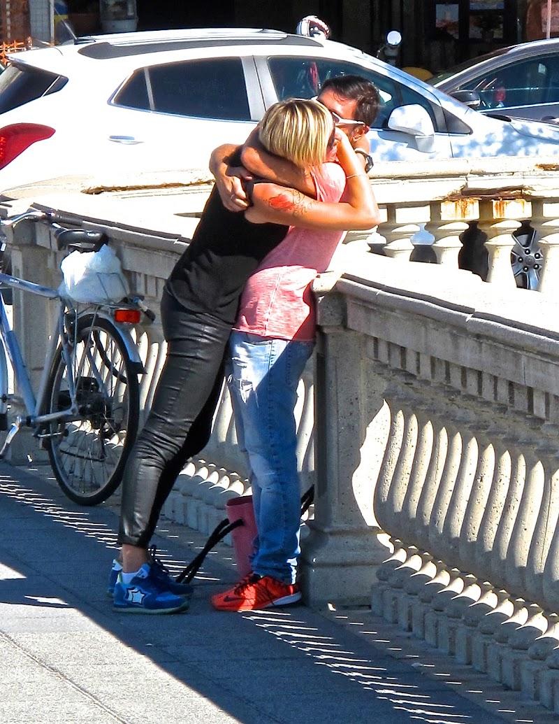 Baci ed abbracci. di sangiopanza