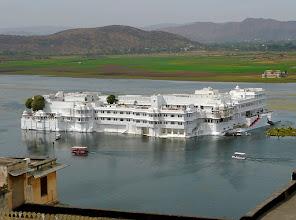 Photo: einst Sommerresidenz des Maharadjas von Udaipur (gebaut 1746) ...