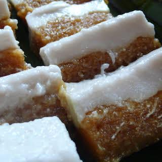Kueh Talam Ubi Kayu (Steamed Tapioca Cake).