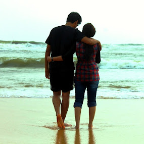 Soul Mates by Shayaan Noori - People Couples ( love, perfection, couple, beach, soulmates )