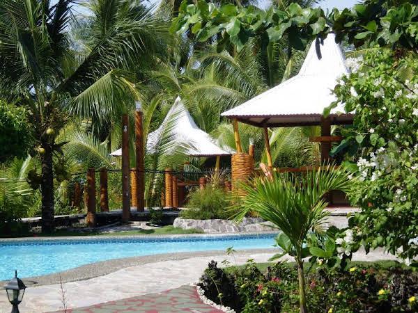 Maia's Beach Resort