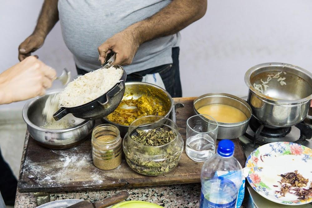 Making chicken biryani