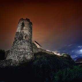 Il Ricetto di Candelo by Enrico Mosca - Buildings & Architecture Public & Historical ( biella, ricetto, castle, night, candelo, medieval, dark, long exposure, italy, tower )