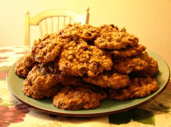 Oatmeal Craisins Dark Chocolate Chip Cookies