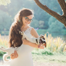 Wedding photographer Darya Bulavina (Luthien). Photo of 24.08.2015
