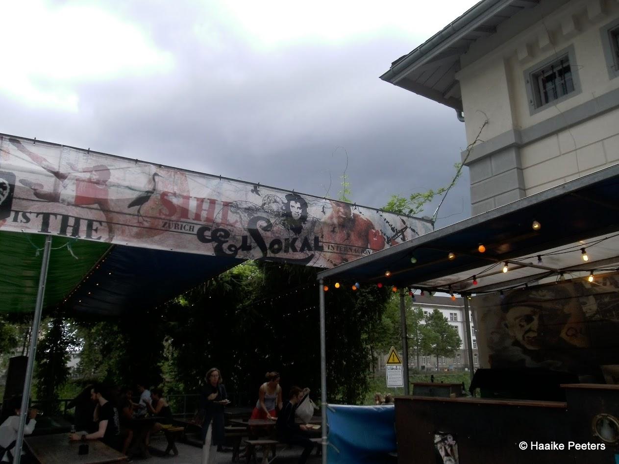 El Lokal Zürich (Le petit requin)