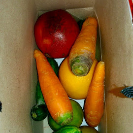 Fruits & vegetables by Shahed Arefeen - Food & Drink Fruits & Vegetables ( salad, fruits, food and drink, fruits and vegetables, vegetables )
