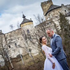 Wedding photographer Tomasz Cygnarowicz (TomaszCygnarowi). Photo of 21.04.2018