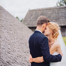 Wedding photographer Mikhail Leschenko (redhuru). Photo of 13.05.2015