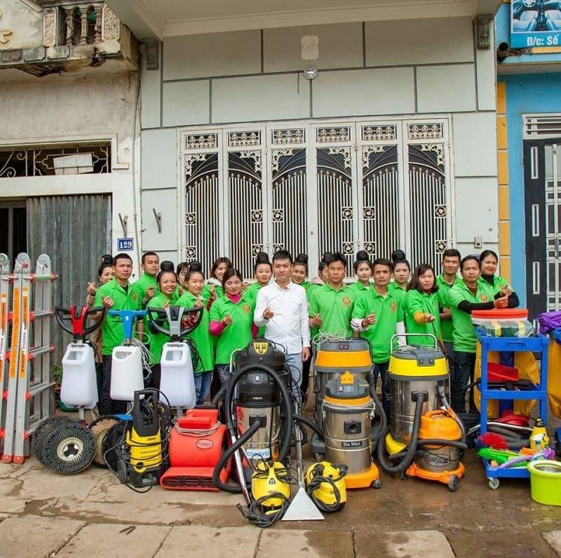 Đội ngũ nhân viên vệ sinh chuyên nghiệp
