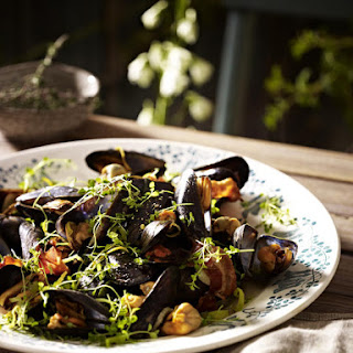 Mussels in Cider with Bacon and Thyme Recipe