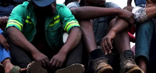 KYK | Polisie vuur rubberkoeëls aan, arresteer 50 ná Katlehong gewelddadige betogings - TimesLIVE