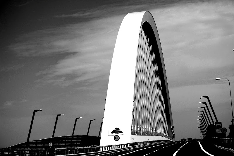 ponte autostradale di Naldina Fornasari