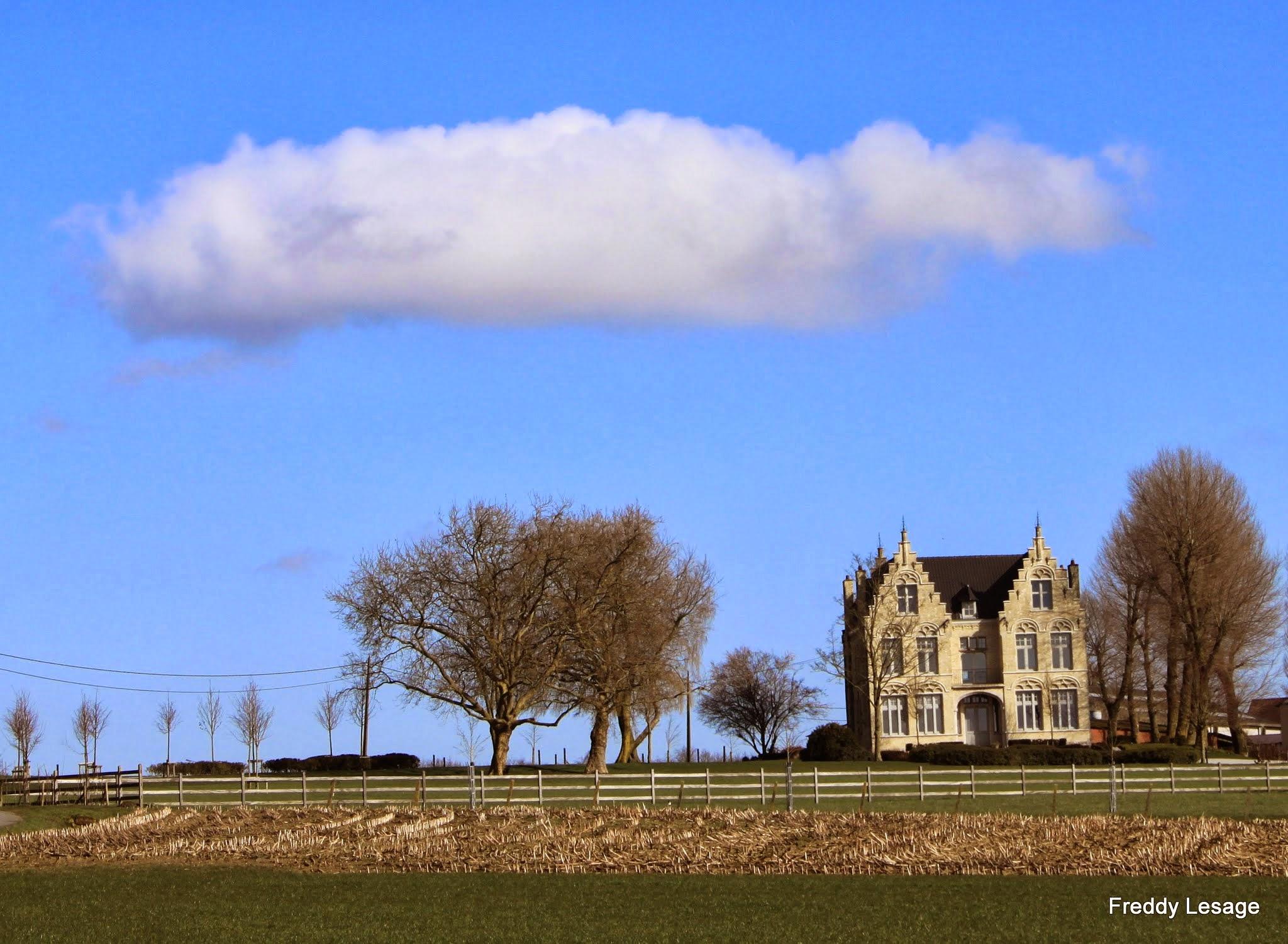 Photo: Een kasteeltje langs de Kasteelhoekstraat aan de Papenelst