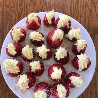 Lemon Cheesecake Stuffed Strawberries #SundaySupper.