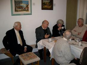 Photo: Großdechant Jung berichtet aus seiner Arbeit in der Heimatstube