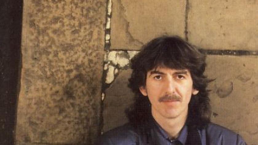 Detalle de la portada de Somewhere In England (1981), disco de Harrison que estuvo rodeado de cierta polémica.