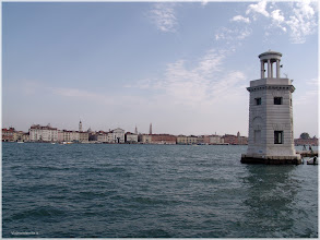 Photo: Vista desde San Giorgio maggiore con Venecia al fondo. http://www.viajesenfamilia.it