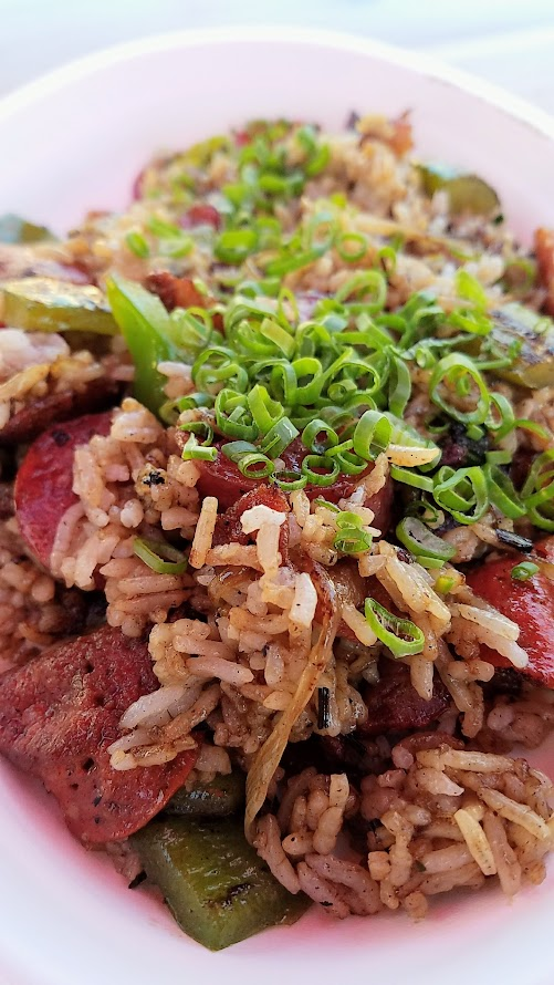 Mian PDX is doing their Chinese-American food and drinks in an Asian Night Market they are calling Mama Huhu in the Renata parking five days a week, Wednesday- Sunday 5 PM - 10 PM till September 3rd. This is their Meat Lover's Fried Rice with pepperoni, chinese sausages, and bacon.