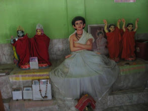 Photo: Brigraha of Prabhusundar in the temple with the blanket removed