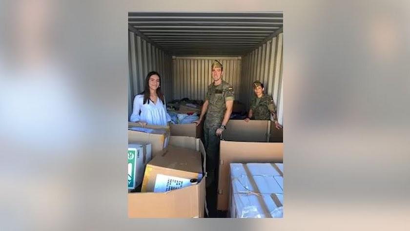 Parte del material recogido en colegios de Almería y entregado en Líbano por la Legión. /BRILEG