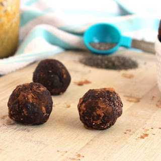 Peppermint Protein Balls with Chia Seeds
