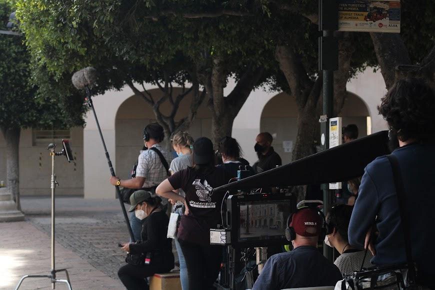 El director, Frank Ketelaar, visionando el rodaje.