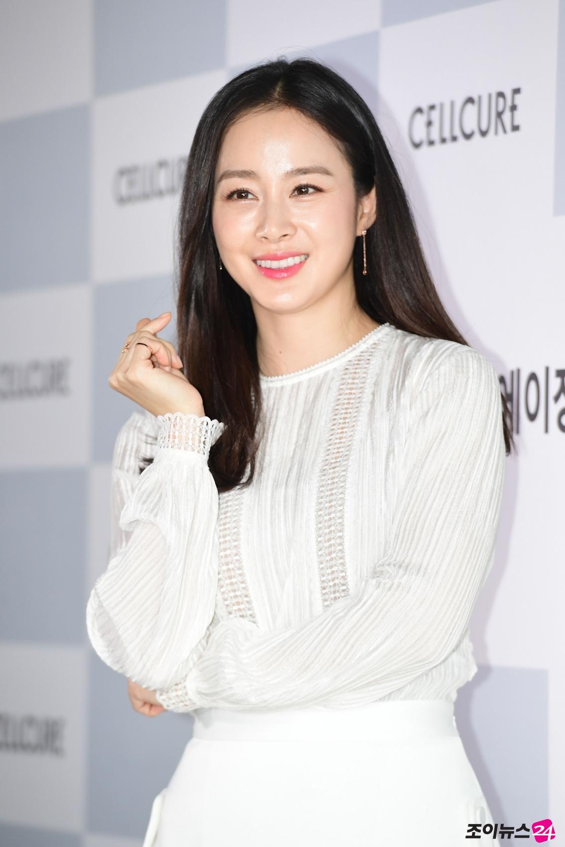 Tae-hee Kim Nude Photos 72