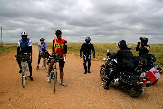 Photo: ...spotykamy rowerzystów jadących Route 66, jeden z nich po raz trzeci !!!