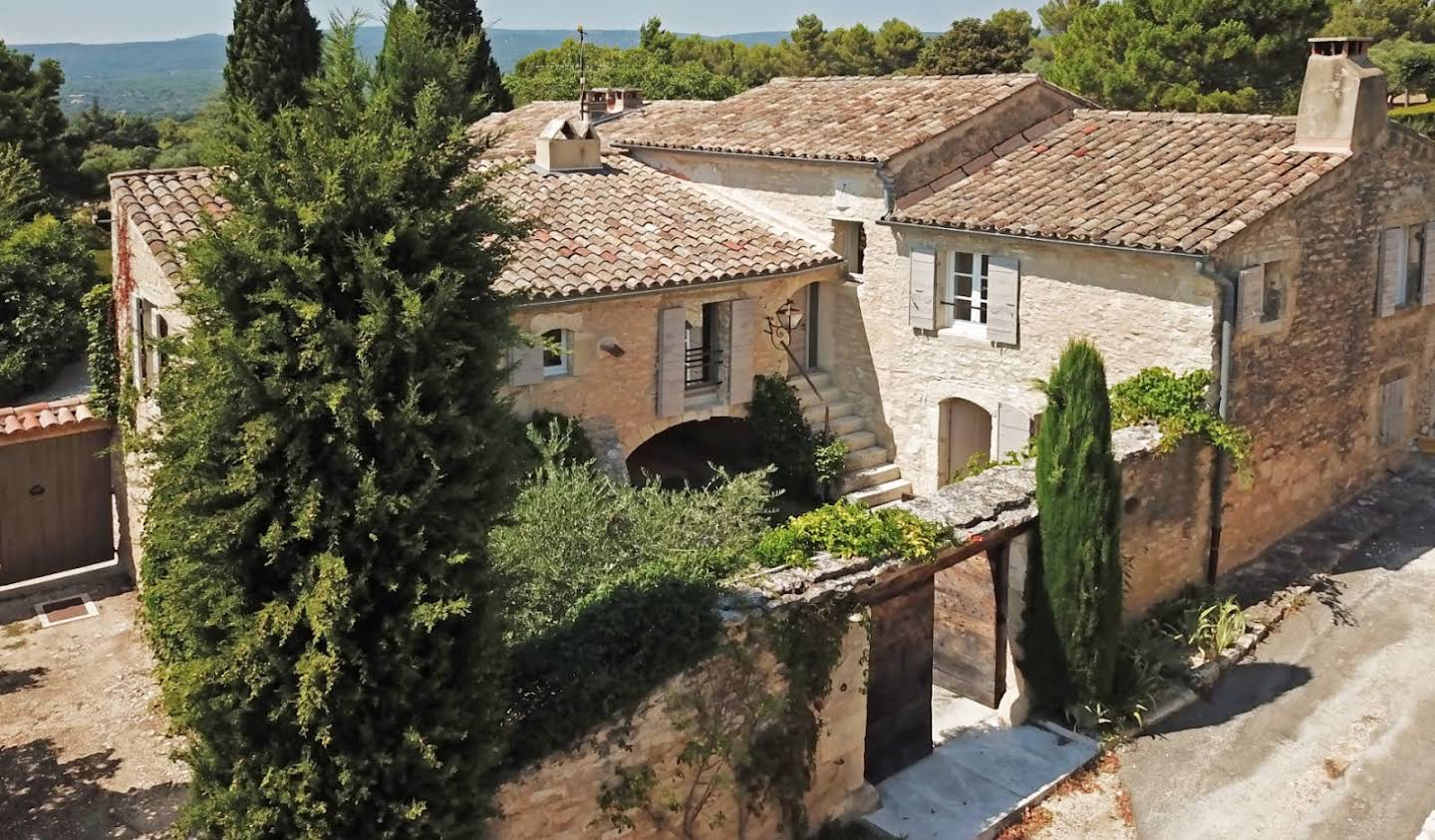 House with terrace Gordes
