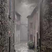 Il fascino della pioggia e della nebbia di