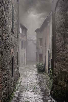 Il fascino della pioggia e della nebbia di enmaster