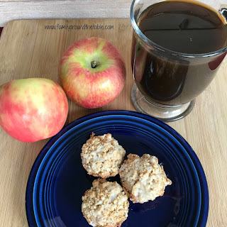 Mini Apple Muffins with Oatmeal Streusel Topping.
