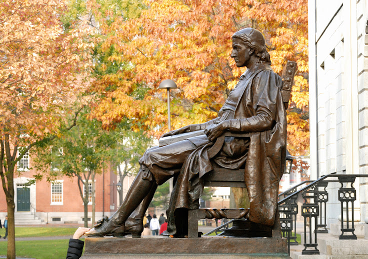Resist the urge to rub John Harvard's shoe. Photo: Jorge Salcedo