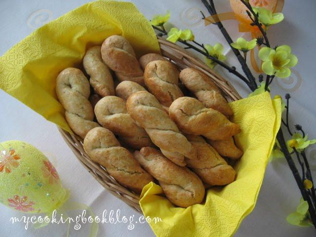 Великденски Кулуракя (курабии) с масло