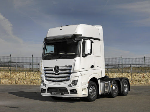Mercedes benz honing truck driver skills to make roads for Mercedes benz semi trucks