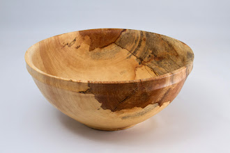 "Photo: MICHAEL COLELLA – 9"" x 4"" – Rimmed Top Edge Bowl [Sycamore]"